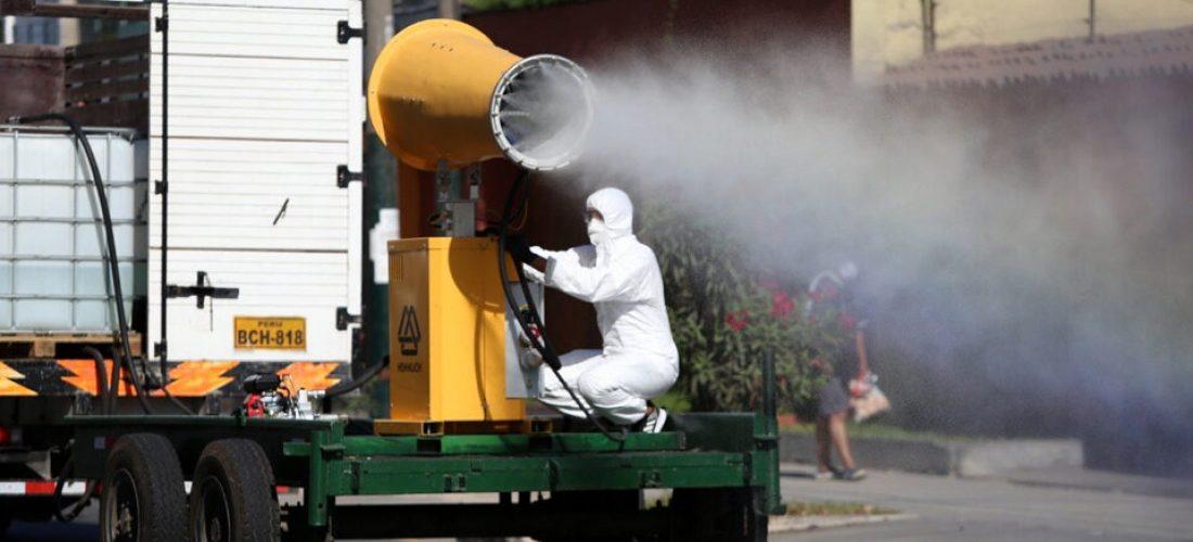 molicanon-continua-con-labor-de-desinfeccion-de-las-calles-de-la-molina-para-frenar-el-coronarivus-960x480